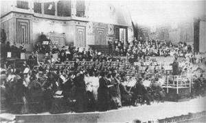 Gustav Mahler leading a rehearsal of his 8th symphony in Munich.