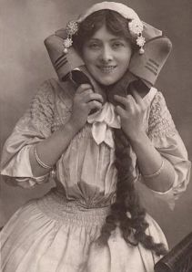 Isabel Jay (1879-1927) as Sally in Rubens and Hurgon's musical Miss Hook of Holland