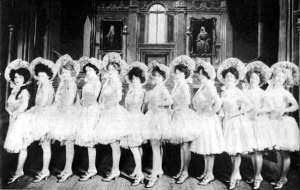 The chorus line from the first Ziegfeld Follies in 1907